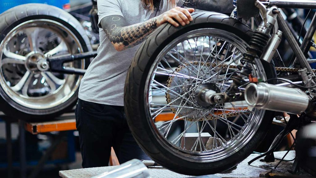 Motosiklet Lastik Basıncı Değeri Kaç Olmalıdır?